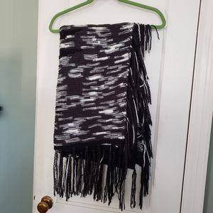 Lularoe Mimi black and white soft OS